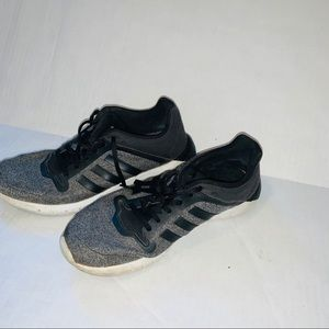 Woman's Adidas climacool tennis shoes